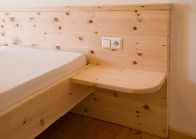 Zirbenholz Schlafzimmerbett
