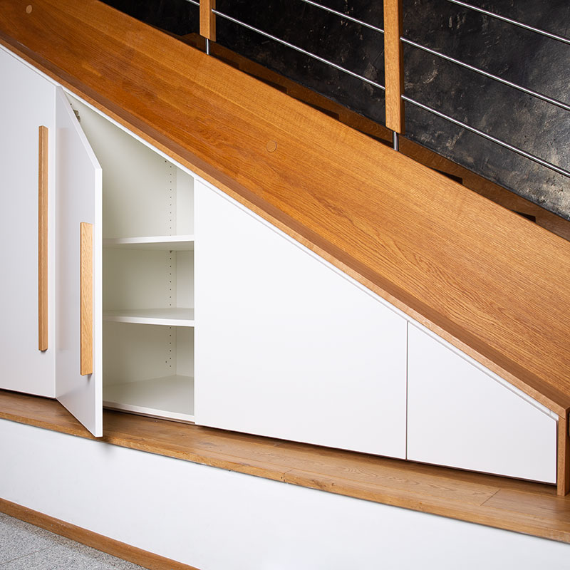 Maßgeschneiderter Treppenunterbau