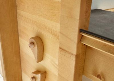 Paso in Zirbe natur geölt - Detail Holzschraube