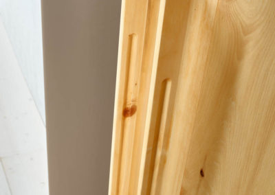 Paso in Zirbe natur geölt - Detail organischer Griff