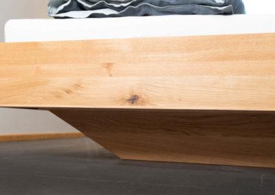 Doppelbett Kufengestell aus Wildeiche