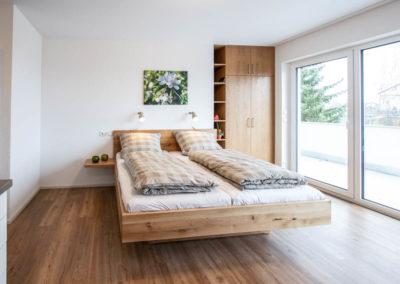 Massivholz-Betten nach Maß aus unserer Schreinerwerkstatt