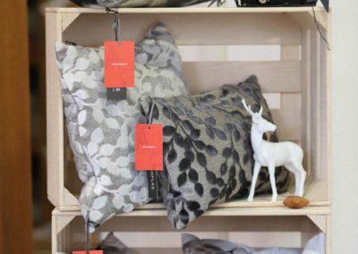 Hochwertige Kissen mit modernen Naturmotiven